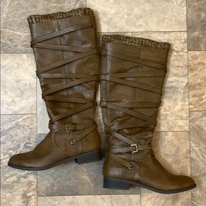 🆕Shoe Dazzle Brown Sweater Cuff Leather Boots